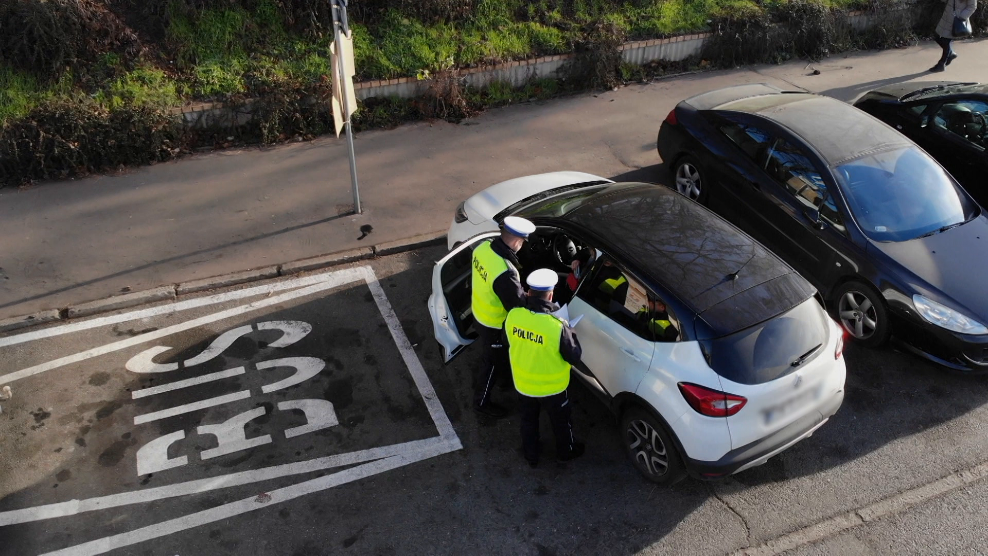 Nowe przepisy i błędy. Kontrole drogowe z dodatkowym obowiązkiem